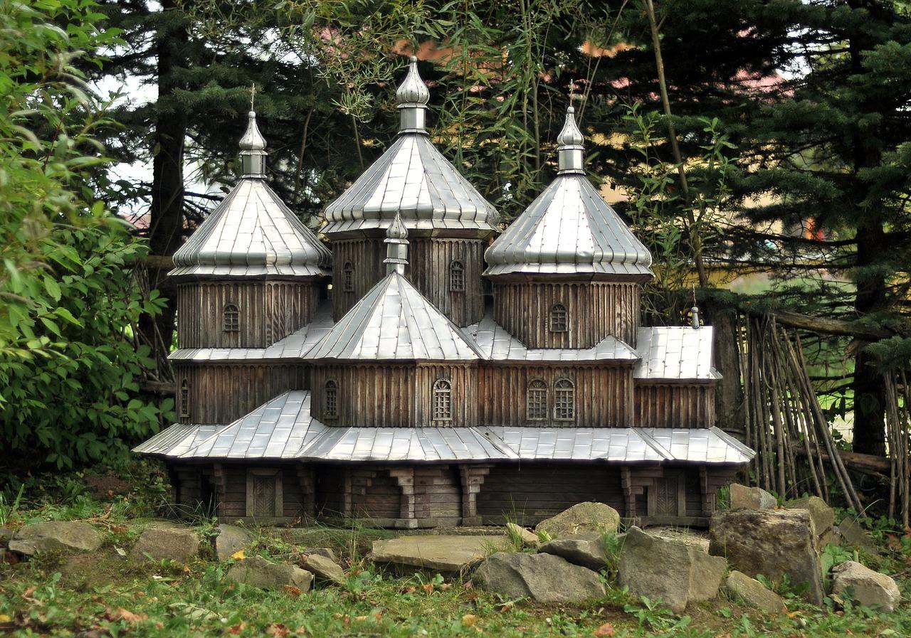 Atrakcje turystyczne południowego obszaru Polski. Parki narodowe na południu Polski